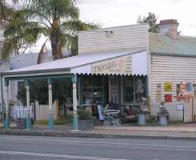 Lady Gails Bookshop and Curios - Accommodation Burleigh