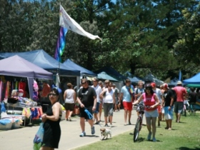 Broadbeach Art and Craft Markets - Accommodation Burleigh