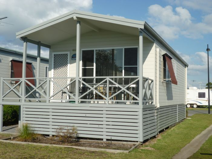 Belmont Pines Lakeside Holiday Park - Accommodation Burleigh