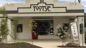 Tootsie Fine Art and Design - Accommodation Burleigh