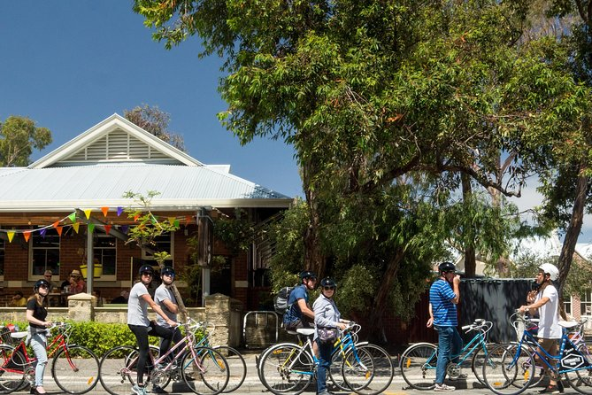 Explore Freo the local way on our 3 hour bike tour - Accommodation Burleigh