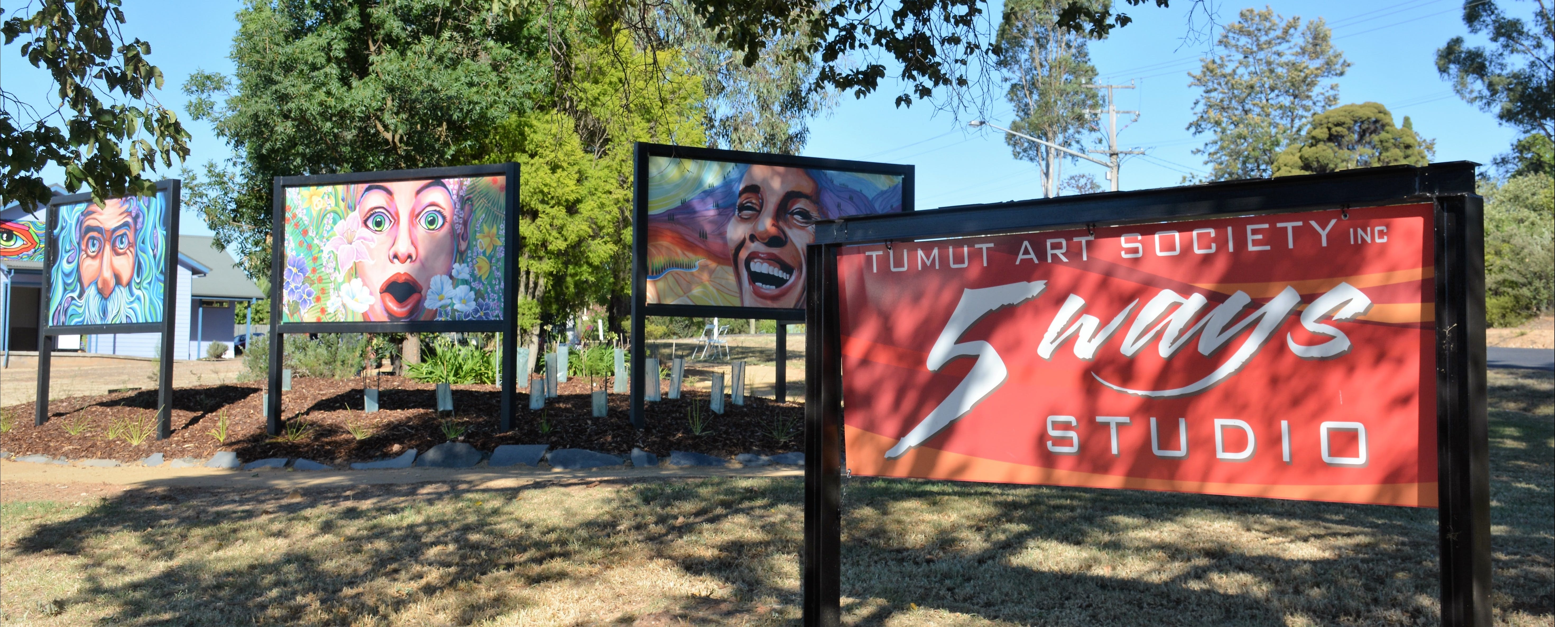 Tumut Art Society 5Ways Gallery - Accommodation Burleigh