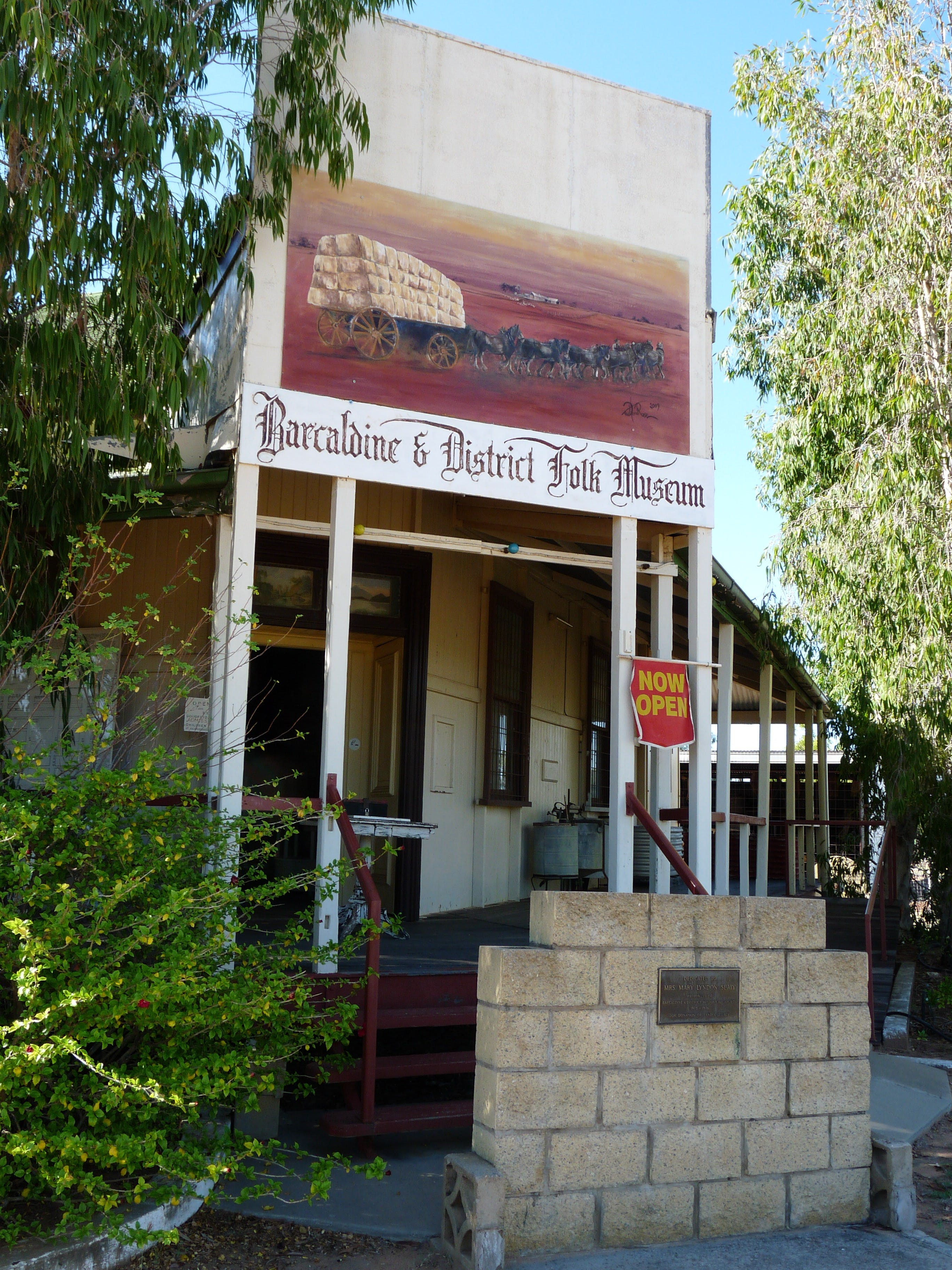 Barcaldine and District Historical Museum - Accommodation Burleigh