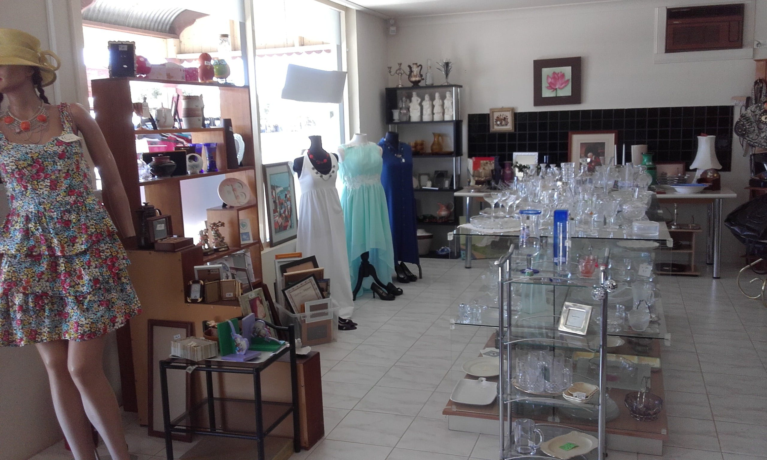 Hunters Haven Anglican Op Shop - Accommodation Burleigh