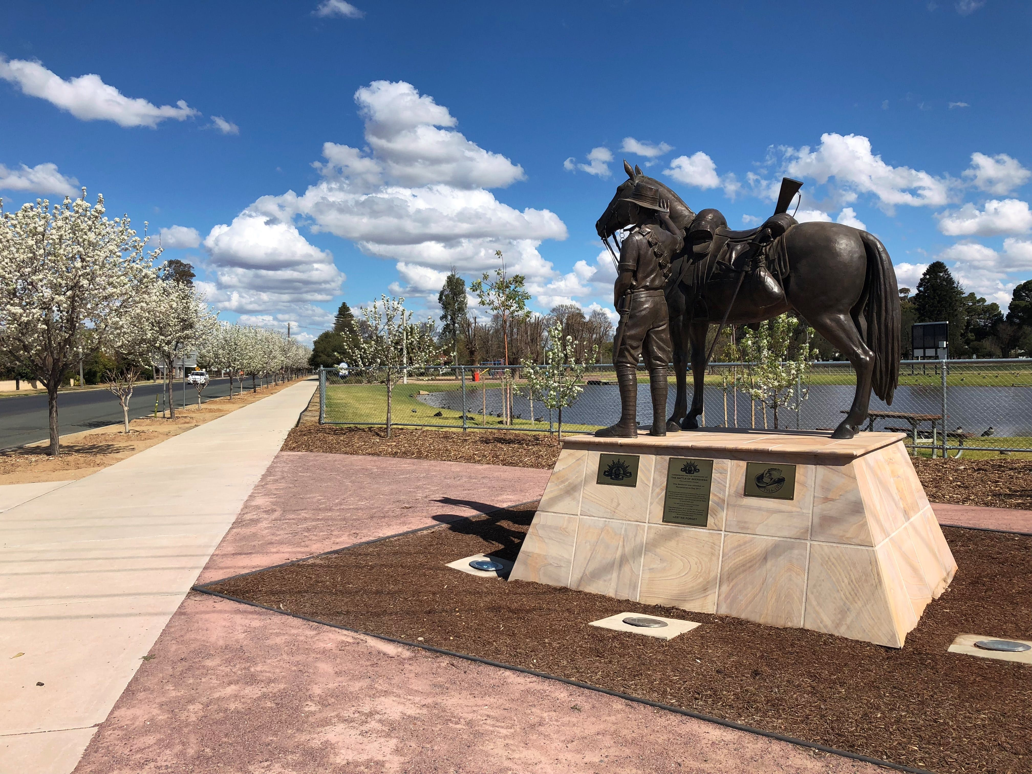 Light Horse Memorial Hay - Accommodation Burleigh