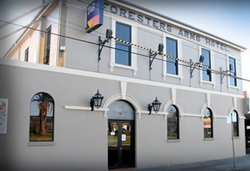Castello's Foresters Arms Hotel - Accommodation Burleigh