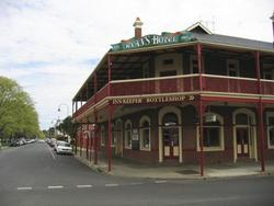 Ryans Hotel - Accommodation Burleigh