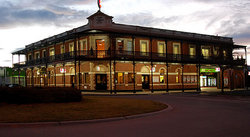 The Grand Terminus Hotel - Accommodation Burleigh