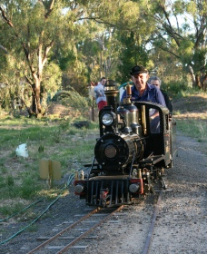 Jerilderie Steam Rail and Heritage Club Inc - Accommodation Burleigh