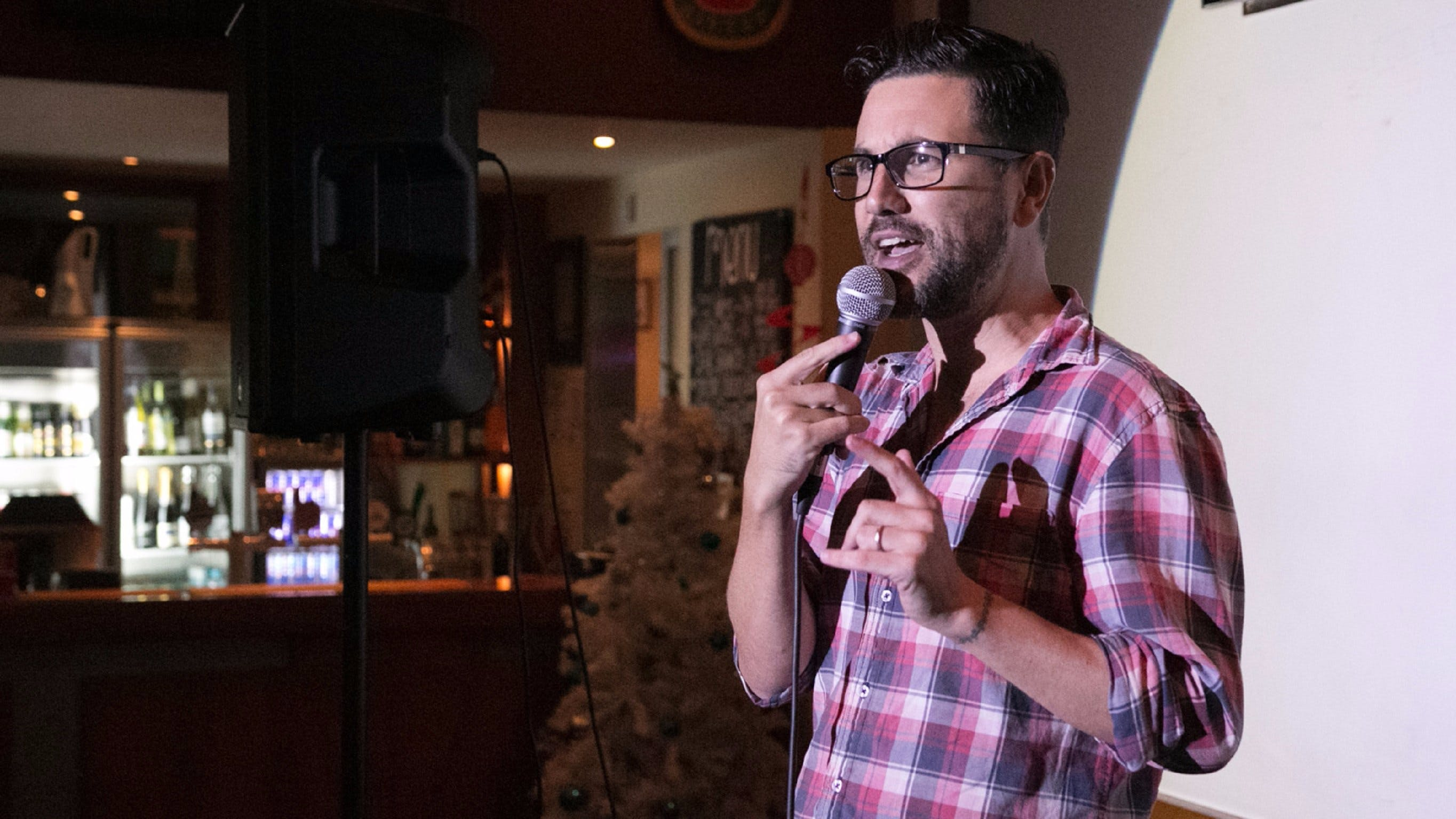 Based Comedy at the Dog and Parrot Tavern - Accommodation Burleigh