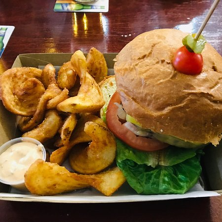 Brent's Burgers - Accommodation Burleigh