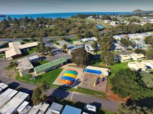 Victor Harbor Holiday  Cabin Park - Accommodation Burleigh
