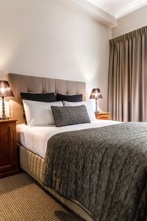 The Belmore All-Suite Hotel - Accommodation Burleigh
