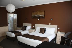 Lakeview Motel and Apartments - Accommodation Burleigh