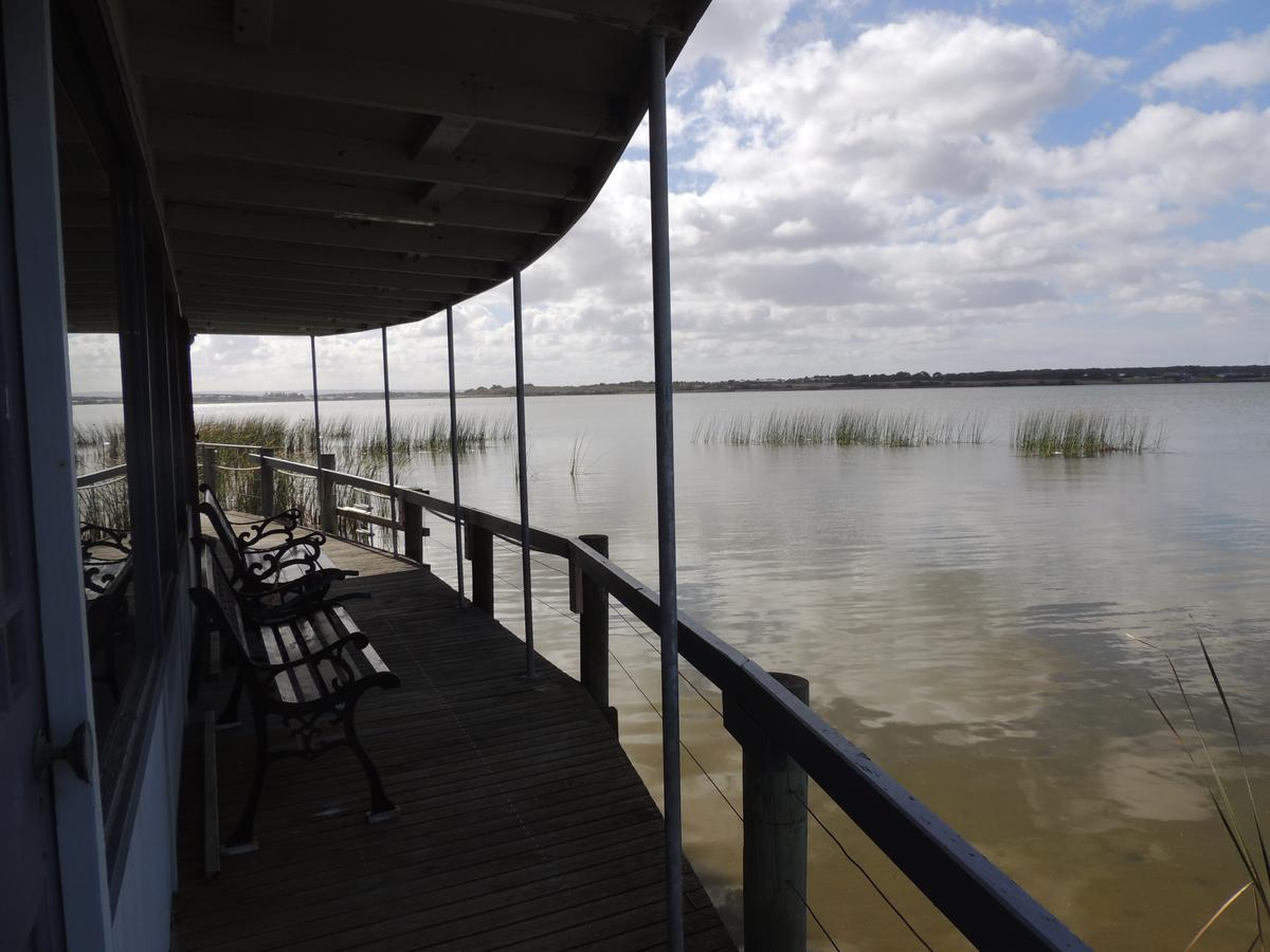 PS Federal Retreat Paddle Steamer Goolwa - Accommodation Burleigh