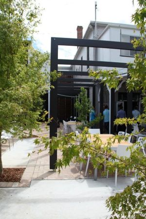 Crossroads Hotel - Accommodation Burleigh