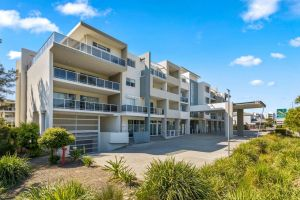 Quality Suites Pioneer Sands - Accommodation Burleigh