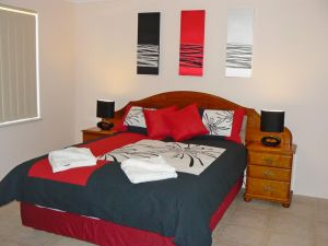 Geraldton Luxury Vacation Home - Accommodation Burleigh