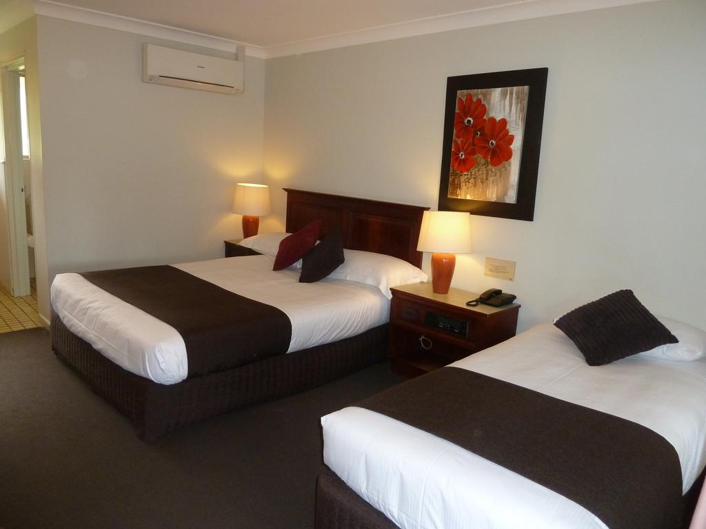 McNevins Warwick Motel - Accommodation Burleigh