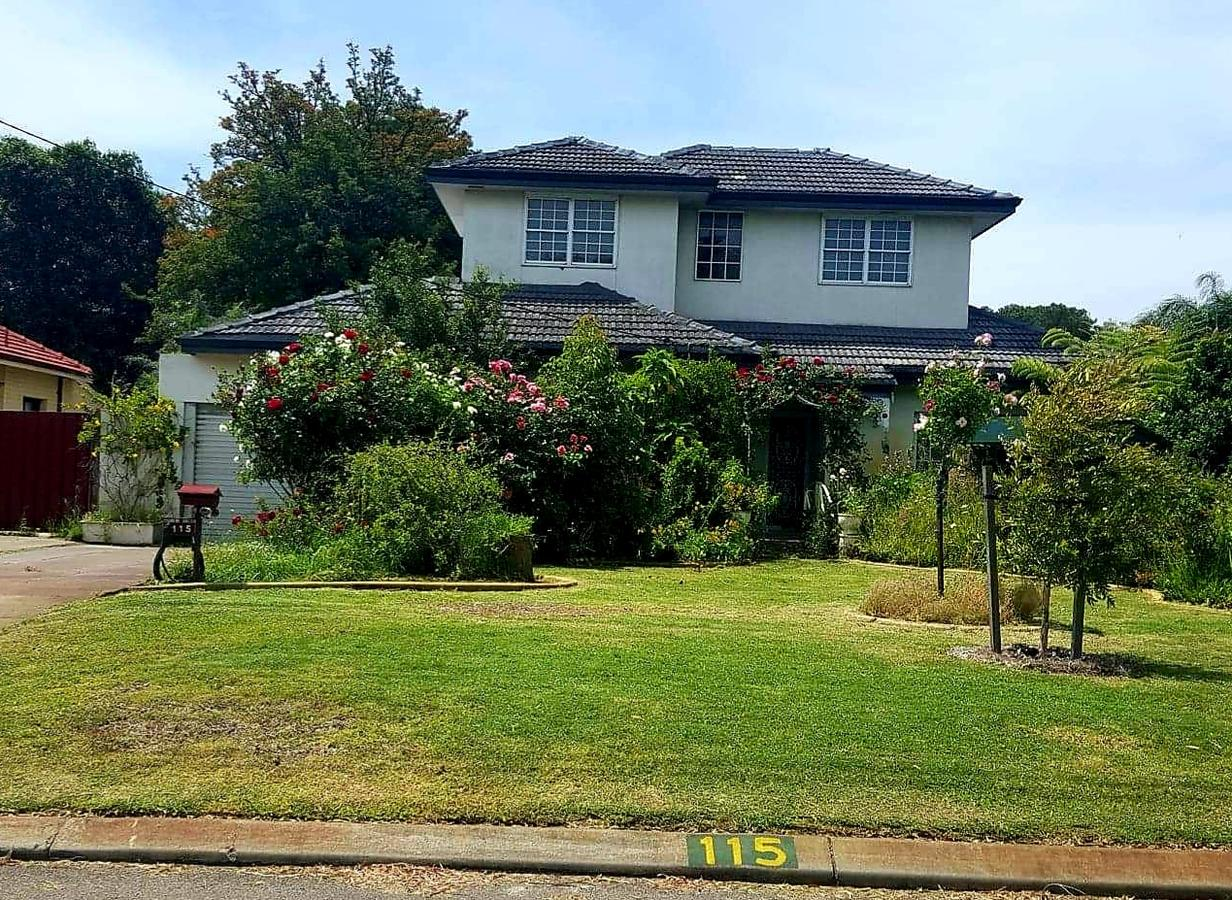 Airport HomeStay - Accommodation Burleigh