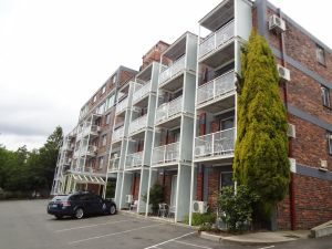 Adina Place Motel Apartments - Accommodation Burleigh