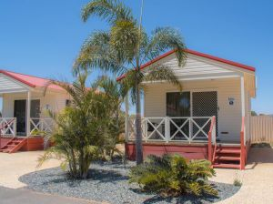 Outback Oasis Caravan Park - Accommodation Burleigh