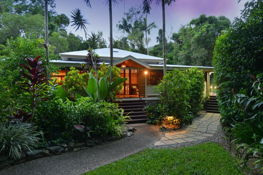 Port Douglas Valley Retreat - Accommodation Burleigh