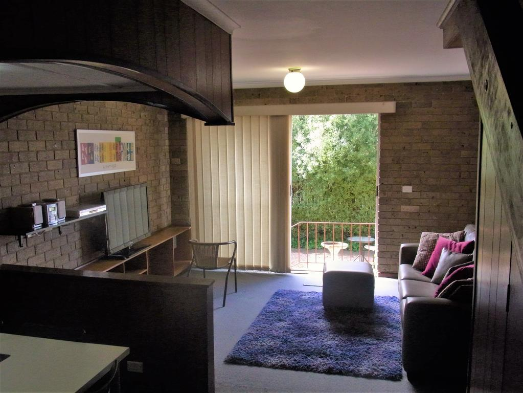 A Furnished Townhouse in Goulburn - Accommodation Burleigh