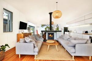 Ayana Beach House - Pet Friendly - Opposite Beach - Accommodation Burleigh