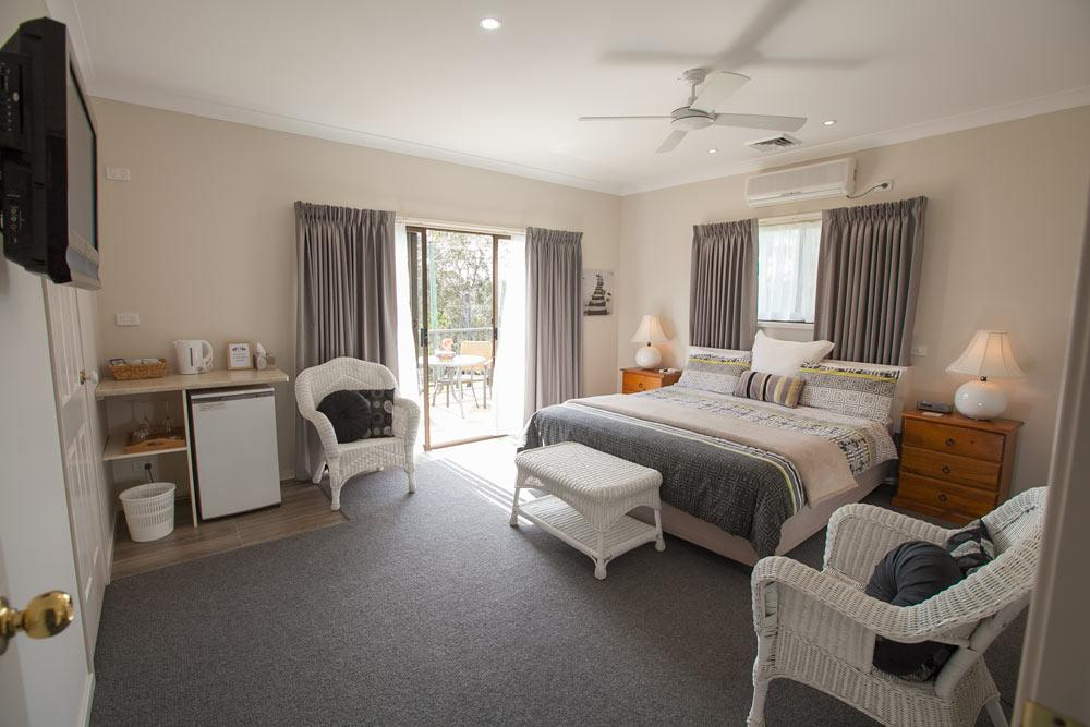 Batemans Bay Manor - Bed and Breakfast - Accommodation Burleigh