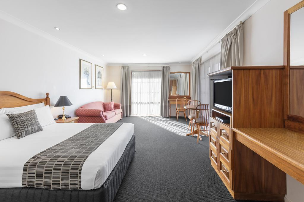 Best Western Ambassador Motor Inn  Apartments - Accommodation Burleigh