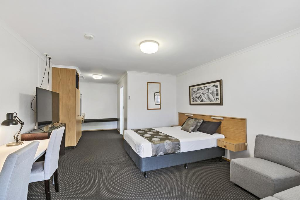Blue Shades Motel - Accommodation Burleigh